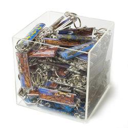 100 st valfria nyckelringar + plexiglaskub